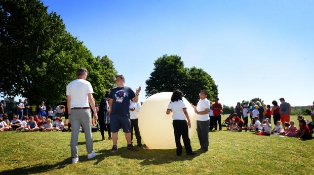 Rose Hill Primary School launches 'space balloon' from its field!